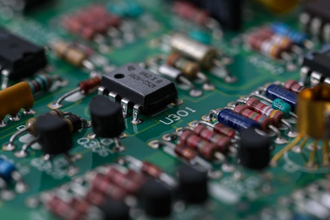 アナログ電子回路基板
